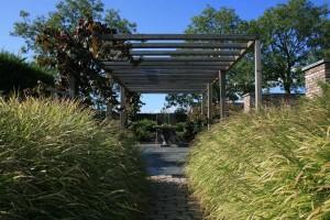 Klassische Gartengestaltung mit Gräsern