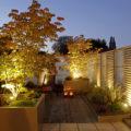 Dachgarten mit Beleuchtung für die perfekte Abendstimmung.